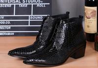 piel genuina de piel de serpiente al por mayor-New Brands Negro punta estrecha piel de serpiente cuero genuino vestido botas para hombre calzado de invierno botas militares zapatos de tacón alto botines