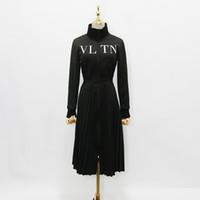 estar al por mayor-2018 diseñador de las mujeres vestido de gama alta negro soporte del cuello de manga larga pliegues vestido largo Womne impresión de la letra cremallera Celebrity Style Dress 927886