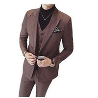 (Chaqueta + Chaleco + Pantalones) Slim Fit Modernos trajes para hombre Set  Últimos Pantalones de Capa Diseños Sólidos 3 piezas de traje de baile de  Esmoquin ... 32dba4be758