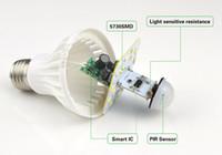 ingrosso il sensore della lampadina principale e27-220 V PIR sensore di movimento E27 5730 SMD 3 W 5 W 7 W 9 W 12 W HA CONDOTTO LA Lampadina Suono Induzione vocale lampada di controllo della Luce Per ...