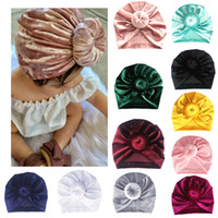 indischer kopf schal großhandel-11Colors Velvet Kid Neugeborenes Baby Mädchen Hut Baby Indian Twist Knot Bonnet Chemo Turban Mütze Beanie Hut Kopftuch Wrap Solid