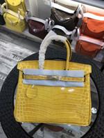 gelbe farbe taschen großhandel-30 cm 2018 neue farbe gelb dame totes umhängetaschen mit schloss luxus frauen dame rindsleder alligator echtes leder mode handtasche großhandel