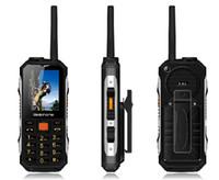 yeni çift sim tv mobile toptan satış-2018 Yeni M2 2400 mAh Çift SIM Kart UHF Walkie Talkie kablosuz FM güç bankası Sağlam darbeye dayanıklı cep telefonu P156 Çift SIM kart 2 renkler Sıcak sa
