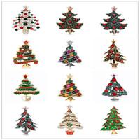 broches mixtes argent achat en gros de-12 modèles Mix d'argent en alliage d'or Christams arbre Bijoux pour les femmes Brooches Nouveau mode strass cristal arbres Broche DB