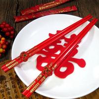 ingrosso souvenir tradizionali-Bacchette cinesi tradizionali doppie felicità rosso Dragon Phoenix Stampato bacchette di legno Bouquet da sposa Souvenir Regali wen6576