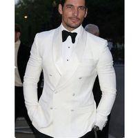 groomsmen takım elbiseleri toptan satış-2018 Yaz Tarzı Custom Made Beyaz Blazer Groomsmen Kruvaze Erkekler Suit Damat Smokin Ismarlama Düğün Takımları Erkekler Için Ceket + Pantolon + Yay