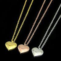 colgantes de serpiente al por mayor-Famosa marca de calidad superior 316L acero titanium colgante serpiente G collar con forma de corazón de esmalte en muchos colores joyería de moda