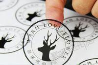 transparente aufkleberpapiere großhandel-Logo Custom Vinyl / Papier Aufkleber Kunststoff-Label Transparent Wasserdicht Klar Multifunktions-selbstklebende Kunststoff-Label-Aufkleber Größe angepasst