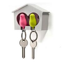 ingrosso gli anelli d'anello chiave-3pcs passero fischio uccello casa uccello portachiavi casa in legno portachiavi caffè bianco 2 colori