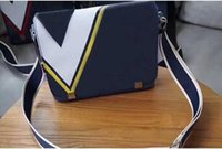 klasik deri laptop messenger çantası toptan satış-2018 Tasarımcı Erkek Deri Çanta Siyah Evrak Laptop Omuz Messenger Çanta