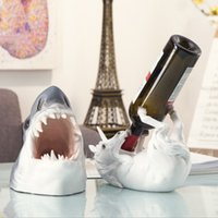 vino de tiburón al por mayor-Animal creativo Shark Wine Rack Styling Bar Vino Bandeja Decoración Resina Artesanía Adornos Bar Decoración Regalo