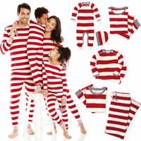 mono de navidad adulto al por mayor-Pijamas familiares a juego de navidad Ropa de dormir de rayas rojas Bebé Niño Adulto Regalos de Navidad Monos a juego familiares Mamelucos