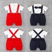 bebek için kırmızı takım toptan satış-Yenidoğan erkek bebek takım elbise tulum tulum + askı şort pantolon 2 adet set kıyafet bebek çocuk erkek giysileri papyon ile yaz siyah kırmızı suit