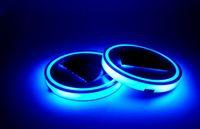 держатели автомобильных ковриков оптовых-Синий LED солнечный автомобиль Кубок мат анти-скольжения держатель бутылки Pad напитки Coaster встроенный датчик вибрации света