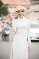 etnik kostüm kadınları toptan satış-Beyaz kadın aodai Vietnam geleneksel giyim Ao dai Vietnam elbiseler ve pantolon kostümleri Geliştirilmiş cheongsam Etnik tarzı