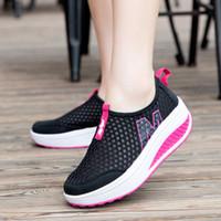 ingrosso rete di oscillazione-Scarpe casual da donna Altezza crescente Scarpe Air Mesh estive Sneaker da passeggio per donna Swing Wedges Shoes Traspirante