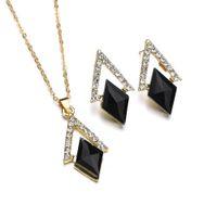 siyah elmas kolye kadın toptan satış-Altın Gül Altın Siyah Taş Paslanmaz Çelik Takı Stes Kadınlar Için kadın üçgen Elmas Küpe Kolye Takı Seti Kadın
