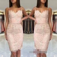 vestidos gala verfehlt großhandel-2018 Günstige Blush Pink Homecoming Kleider Spitze Appliques Short Mini Spaghetti Straps Schärpen Mantel Schatz Party Graduation Cocktailkleider