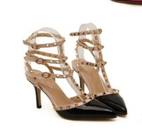 europäische damen sandalen großhandel-Bona Fide Großhändler 2018 neue europäische vistation stacheligen Heels Lackleder Frauen Lady High Heel Schuhsandalen