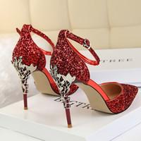 zapatos de boda de plata damas de honor al por mayor-Primavera / verano 2018 princesa de cristal zapatos de lentejuelas de oro tacones altos tacones finos novia de plata puntiaguda dama de honor solo zapatos