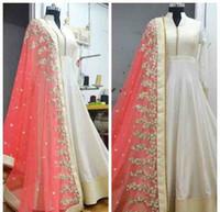 vestidos indios hacen al por mayor-Vestidos indios Vestidos de baile de gasa blanco y rosado Mangas largas Una línea Vestidos de noche Sadi Arabia Mujeres Ropa formal Vestido de fiesta por encargo