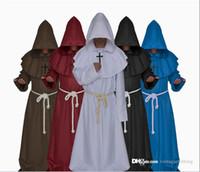 uzun beyaz pelerin kaptan toptan satış-Cadılar bayramı Partisi Festivali Uzun Kollu Cosplay Kostüm Kapşonlu Siyah Beyaz Pelerin Cape Priest Erkekler Için Erkekler