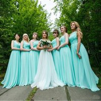 vestidos de festa das meninas verde hortelã venda por atacado-Mint verde longo chiffon vestido de dama de honra 2017 barato uma linha plissada dama de honra vestidos sob 100 desgaste do partido da menina para o casamento