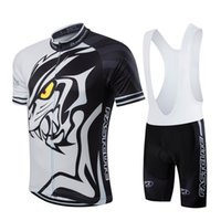 Wholesale cycling clothing spain resale online - 2018 Outdoor Sport Cycling Jersey for Summer Short Sleeve Riding Clothes Spain Custom Jersey Cycling Shorts Set