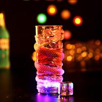 copos de bebida piscando venda por atacado-Criativo colorido LED Light Flash Suco de cerveja Drink Cup Decoração de dragões Luminous Cup Mug Bar Supplies Party / Clubs Cup