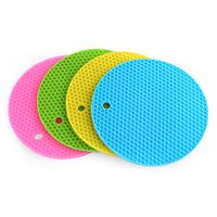 Wholesale honeycomb table - Multipurpose Non-slip Flexible Heat resistant Safe And Healthy Table Mats Round Honeycomb Silicone Pot Holders With Soft Light