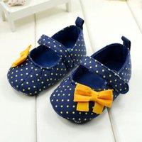 baby blaue polka dot schuhe großhandel-Neue Kleinkind Baby Mädchen Prinzessin Blau Polka Dot Weiche Sohle Krippe Schuhe Prewalker