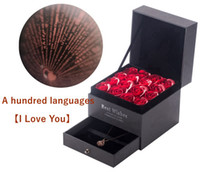 mehrfarbige indische halskette großhandel-Valentine Geschenk mit Rosen und feine Box Geschenk für Freundin mit einer Halskette in 100 Sprachen nie verblasst Blumen
