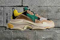 yüksek tabanlar ayakkabı mens toptan satış-2019 Çok Lüks Üçlü S Tasarımcı Düşük Eski Baba Sneaker Kombinasyonu Tabanı Tabanı Çizmeler Bayan Bayan Moda Rahat Ayakkabılar Yüksek ...