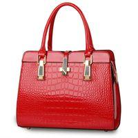 bolsas rojas de patentes al por mayor-MONNET CAUTHY Bolsos para mujer Charol Oficina Dama de fiesta Bolsos de moda Color caramelo Lavanda Beige Caqui Rosa Rojo Totes