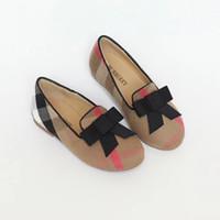 babys tops toptan satış-Bir 2018 yüksek kaliteli Satış Çocuk Kız Çocuk Babys Casual Ayakkabı üstünde bir yay var