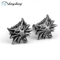 Wholesale witcher medallion for sale - Group buy dongsheng Witcher Wild Hunt Medallion wolf head Cufflinks Wizard Witcher Wild Figure Game Cuff Links For Men Gift