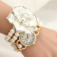 модный браслет с жемчугом оптовых-Personalized Flowers Pearl Wrapped Bracelet Watch Ladies Fashion Students Watch