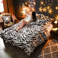 Wholesale Leopard Bedding Sets King - Home textile Winter fleece bedding set zebra leopard printed king queen flannel duvet cover soft warm bedding bed sheet feather