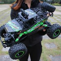 arabalı rc oyuncak toptan satış-1:12 4WD RC Arabalar Güncellenmiş Sürümü 2.4G Radyo Kontrol RC Arabalar Oyuncaklar Buggy 2017 Yüksek hızlı Kamyonlar Off-Road Kamyon Oyuncaklar Çocuklar için