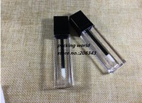 tapa de aerosol de metal al por mayor-Tubo cuadrado del lustre del labio del tubo del labio de la forma 7ml con la tapa negra para el aceite del labio / el embalaje cosmético del lustre del labio