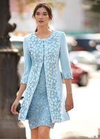 incluso vestidos para novia al por mayor-Carla Ruiz 2018 Vestidos de madre de la novia azul claro con chaqueta Funda hasta la rodilla Vestido de invitado a la boda Vestido corto árabe Vestido de noche