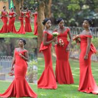 rote luxus meerjungfrau brautkleid großhandel-Luxus südafrikanischen Rubinrot Brautjungfernkleider Schulterfrei Lange Satin Hochzeitsgast Party Kleider Trauzeuginnen Kleid Plus Größe