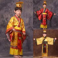 meninos chapéus vermelhos venda por atacado-Criança chinesa tradicional hanfu vestido meninos meninos imperador rei Estágio roupas vermelhas crianças trajes tang terno crianças robe + chapéu conjuntos