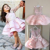 ingrosso tipo ragazze abiti-2018 Sweet Pink Little Flower Girl Abiti Due tipi Jewel Appliques Bow Short Bambino Festa di compleanno Abiti Cosplay Wear Girls Pageant Dress