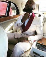 görüntüler smokin takımları toptan satış-Gerçek Görüntüler için Fildişi Kruvaze Düğün Smokin Damat Kırmızı Şal Yaka Iki Parçalı Özel Resmi Erkek Takım Elbise Erkek Balo Suit (Ceket + Pantolon)