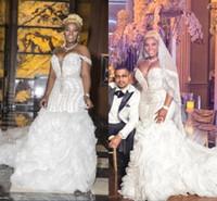 luxus kristall lange zug brautkleider großhandel-Dubai Arabisch Luxus Kristalle Perlen Meerjungfrau Brautkleider Schulterfrei Tiefem V-Ausschnitt Lange Kapelle Zug Rüschen Röcke Hochzeit Brautkleider
