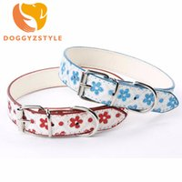 Wholesale flower dog collars - 7 Color Dog Collar Flower PU Leather Cat Necklace Studded Puppy Neck Strap Fluorescence Flowers Pet Accessories DOGGYZSTYLE