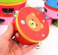 hölzerne hand-rasseltrommel großhandel-Baby Kinder Holztrommel Rasseln Spielzeug Tamburin Geschenk 6 Zoll Hand Tamburin Trommel Glocke (Muster senden zufällig)