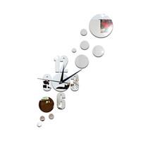 ingrosso orologio da parete moderno-Moda Dot Combinazione 3D Superficie a specchio Adesivo DIY Orologio da parete Home Decor Orologio Camera da letto Soggiorno / Incontro / Sala studio Decorazione