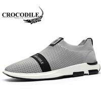 malla textil al por mayor-Crocodle Men Sport Shoes 2018 Summer Men Transpirable Mesh Running Shoes Calzado Masculino Textil Air Mesh Sneakers Lofer off Black